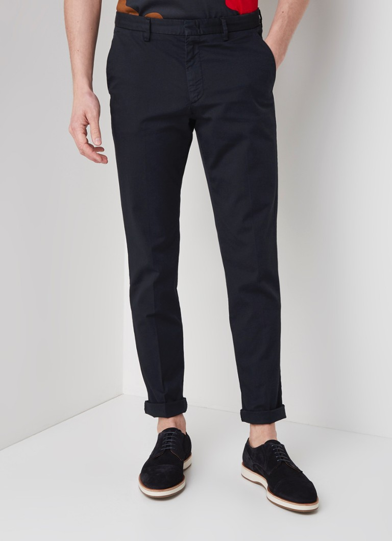 HUGO BOSS - Kaito Slim Fit Chino mit Pressefalte und Stretch - Dunkelblau